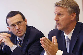 Rappaport Center for Law and Public Policy - Massachusetts Treasurer Timothy Cahill (right) and Professor Alasdair Roberts (left) participate in roundtable discussion at Rappaport Center for Law and Public Service, Suffolk University Law School, October 3, 2008