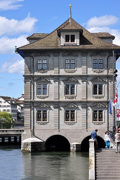 File:Rathaus Zürich - Münsterbrücke 2011-08-09 15-38-28 ShiftN.jpg