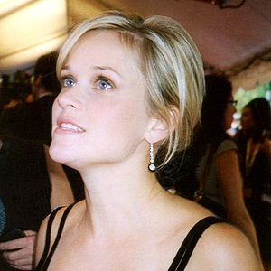 Reese Witherspoon being interviewed at the pre...