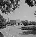 Rehovot. Weizmann Institute een van de gebouwen op het terrein van het instituu, Bestanddeelnr 255-3894.jpg