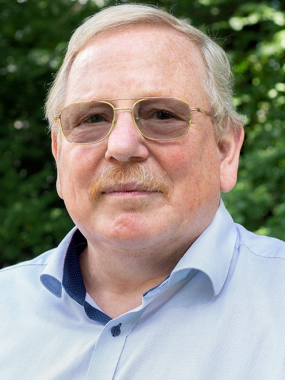 Reinhard Genzel - Simple English Wikipedia, the free ...