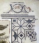 Rimini, mosaico tardoimperiale con vittorie alate e scudo con medusa, cornice.JPG