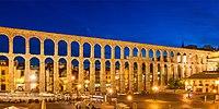 Roman Aqueduct Segovia night 2012 Spain.jpg