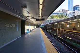 Rosedale station (Toronto) - Image: Rosedale Platform 02