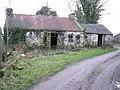 Ruined farm buildings - geograph.org.uk - 111134.jpg