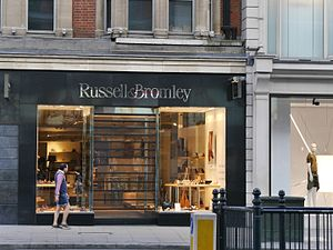 Russell & Bromley - Image: Russell & Bromley, Brompton Road, London, June 2016 01