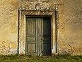 Saint-Geniès Pelvézy chapelle portail.JPG