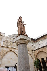 Saint Jerome statue in Church of Saint Catherine courtyard 3.jpg