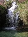 Salto de agua, antes del río Chillar - panoramio.jpg