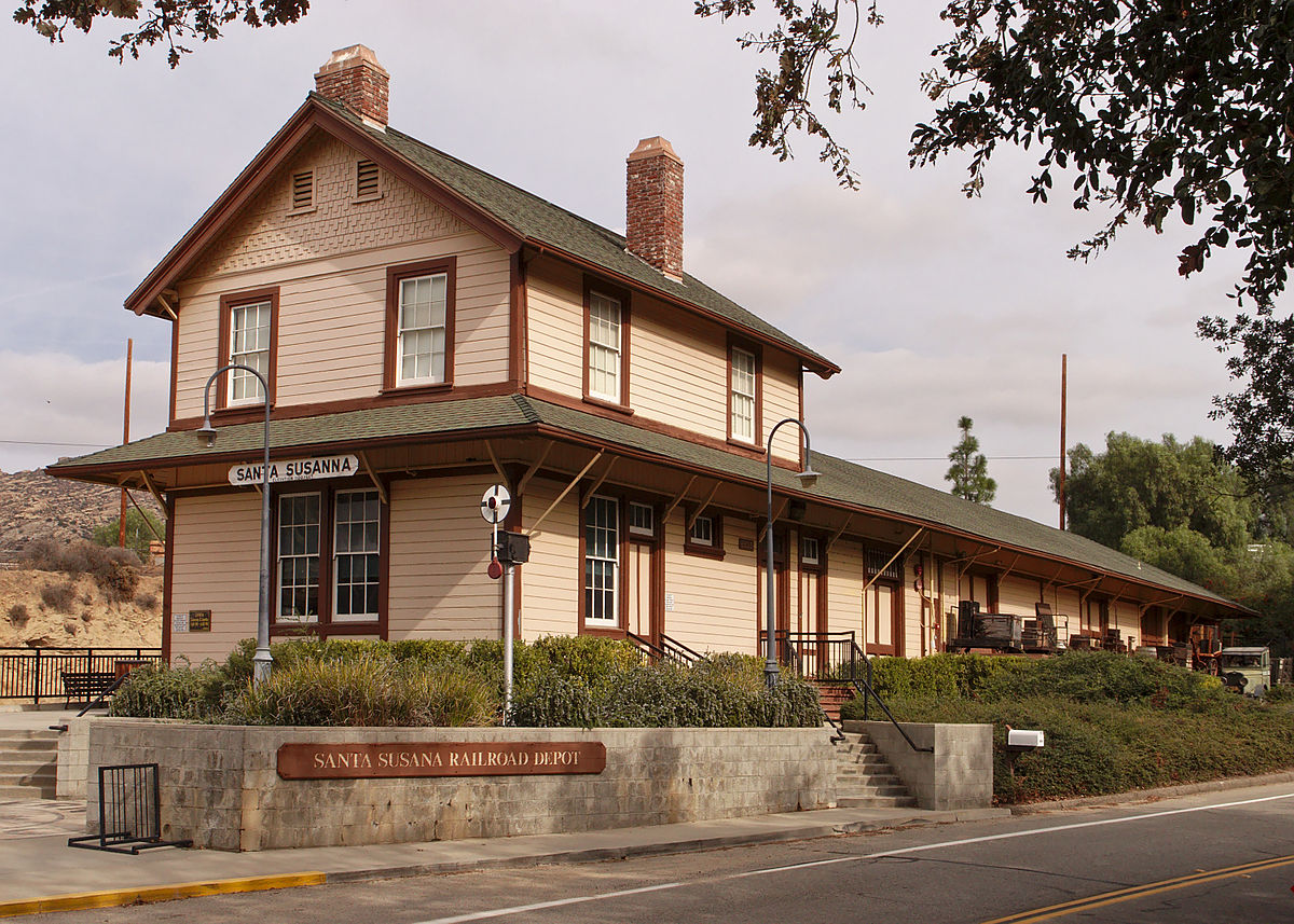 Santa Susana Depot - Wikipedia on warehouse house plans, school house plans, hotel house plans, mill house plans, bank house plans, round barn house plans, library house plans, colonial house house plans, lookout tower house plans, hunting lodge house plans, church house plans,