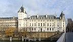 Seine et Palais de justice de Paris.jpg