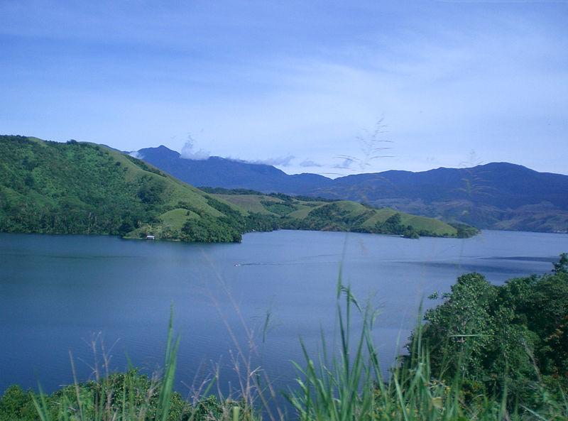 Danau Sentani di Papua merupakan danau terbesar ke sembilan di Indonesia