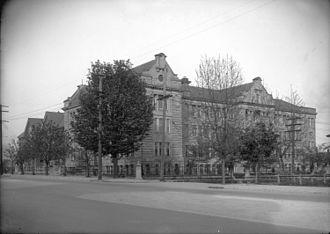 Ideal Mini School - Sir William Dawson School circa 1920