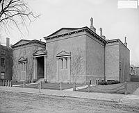 Mezar adı verilen S&B merkezi. Eski Yale kampüsü.