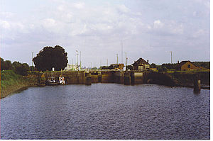 Brussels–Scheldt Maritime Canal - Wintham Lock