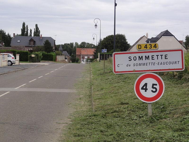 Sommette-Eaucourt (Aisne) city limit sign Sommette