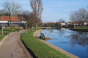Southchurch Park - Image: Southchurch park lake geograph.org.uk 1175271