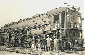 Southern Pacific class AC-4 - Southern Pacific 4100 and crew