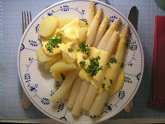 Asparagus - Typical serving of asparagus with Hollandaise sauce and potatoes