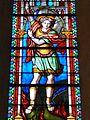 St Michel terrassant le dragon (vitrail de l'église St Victor de la Grigonnais).jpg