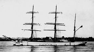 StateLibQld 1 149243 Fiery Cross (ship).jpg