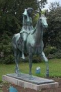 Statue_Diana_zu_Pferd,_Berndorf,_Lower_Austria.jpg