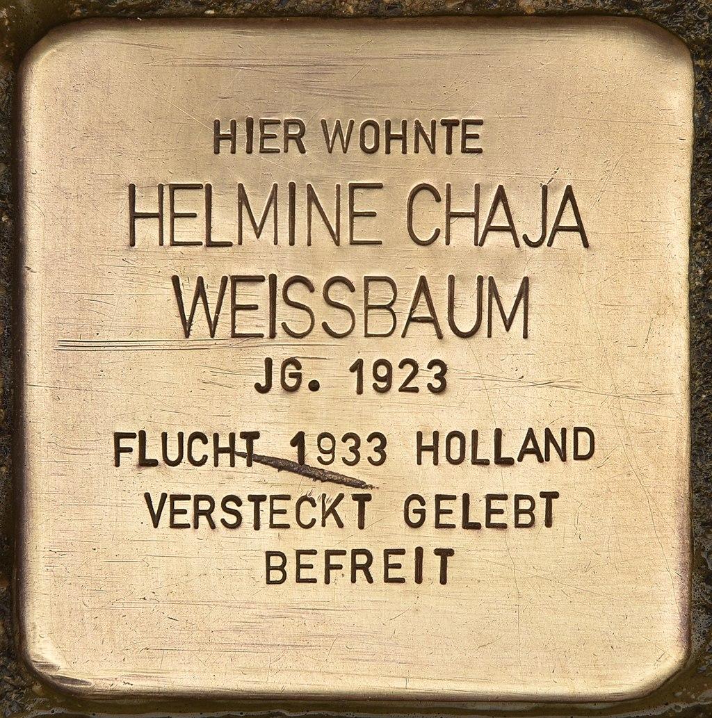 Stolperstein für Helmine Chaja Weissbaum (Neumünster).jpg