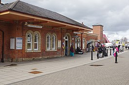 Stratford upon Avon Station, geograph 5729739 by Stephen McKay.jpg