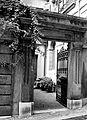 Suisse, canton de Vaud, Lausanne, colline de la Cité, ancienne porte cochère..jpg