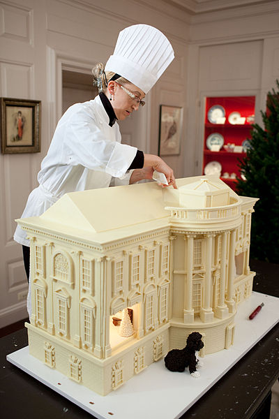 File:Susie Morrison - White House gingerbread house 2010.jpg