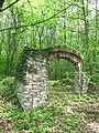 Třebotovský židovský hřbitov, bývalá vstupní brána (001).jpg