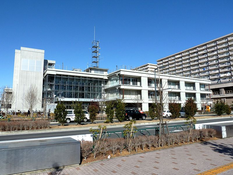Bestand:Tachikawa city hall.jpg