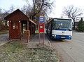 Tachlovice, Jakubská náves, autobus 310.jpg