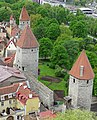 Tallinn Mediaeval Town Walls with towers 17.jpg