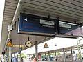 Tatsächliche Uhrzeit, 18-09, Blickrichtung K-Hbf., Treppen-Aufgang von der Venloer Str., Bhf. K-Ehrenfeld. - panoramio.jpg