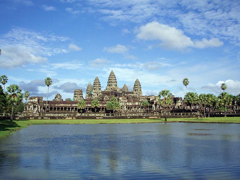 ファイル:Templo de Angkor Wat en Camboya.JPG