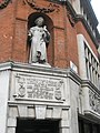 Thomas More statue, corner of Serle St and Carey St, London.jpg