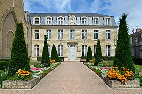 Thouars - Hotel de Ville 02.jpg