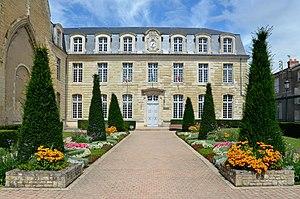 Deux-Sèvres - Image: Thouars Hotel de Ville 02