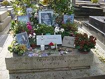 Tombe de Serge Gainsbourg.jpg