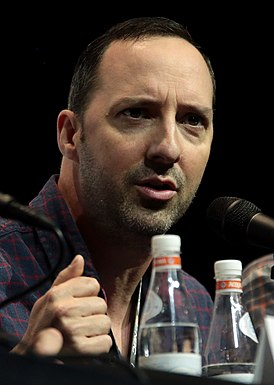 Tony Hale by Gage Skidmore.jpg
