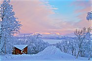 Torneträsk from Abisko winter.jpg