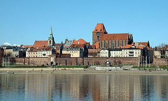Seven Wonders of Poland - Image: Torun 01Center With Wall level corr