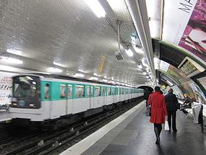 Parmentier (Paris Métro) - Image: Train at Parmentier Metro station October 2011