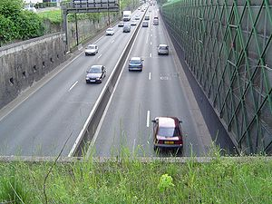 Antony, Hauts-de-Seine - Access to the tunnel under the A86 autoroute, at the sub-prefecture level