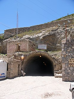 Tunnel to real catorce.JPG