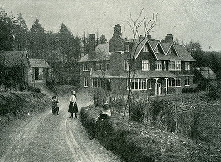 Façade of Undershaw with Doyle's children, Mary and Kingsley, on the drive UndershawCirca1900.jpg