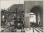 Unrolling electric cable, Harbour Bridge, 1932 (8283748134).jpg