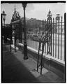 VIEW OF THE EAST SIDE, RAILING AND GATE BRACES - Hibernian Hall, 105 Meeting Street, Charleston, Charleston County, SC HABS SC,10-CHAR,88-15.tif