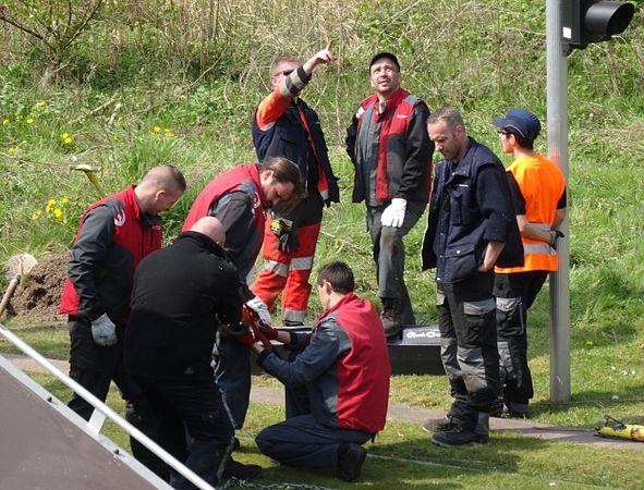 Valenciennes & Anzin - Déraillement de la rame de tramway n° 17 à la sortie du dépôt de Saint-Waast le 11 avril 2014 (063).JPG